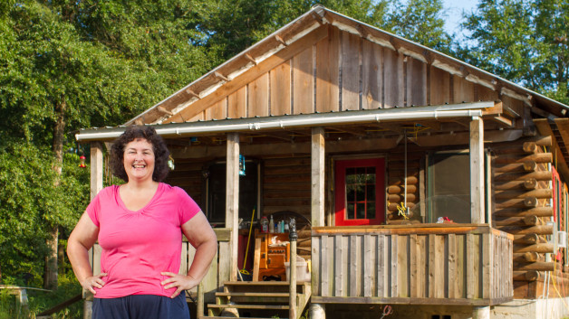 How a 42 Yr Old Woman Built Her Own Log Cabin & Started Homesteading